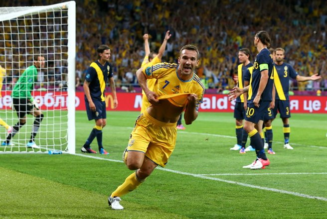 Andriy_Shevchenko_goal_celebration_Euro_2012_vs_Sweden