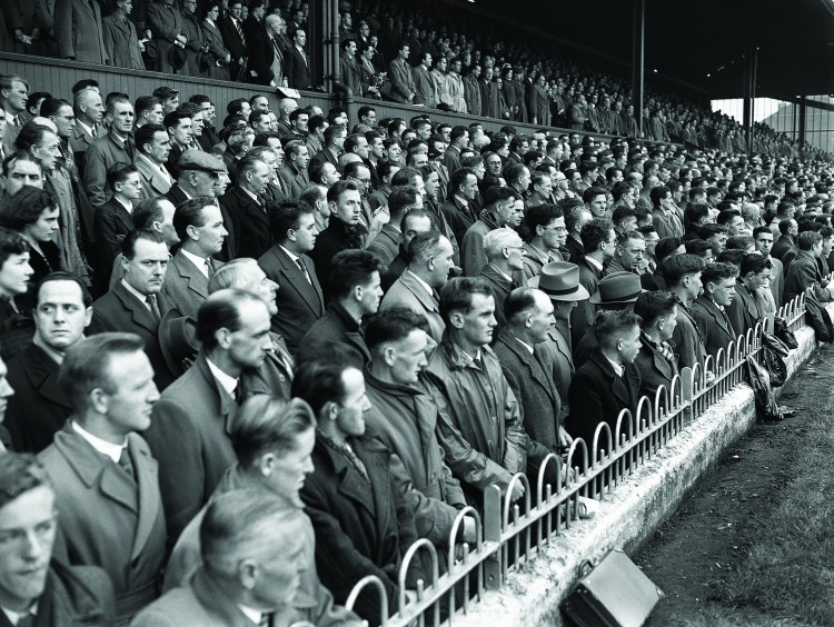 19/10/1955 10/19/1955 19 October 1955 Soccer International: Ireland v Yugoslavia at Dalymount Park, Dublin.