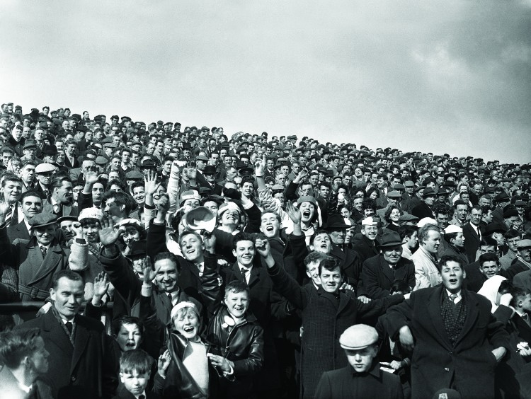 15/04/1962 04/15/1962 15 April 1962 Soccer; Shamrock Rovers v Waterford, F.A.I. Cup Semi - Final at Dalymount Park, Dublin. A part of the enthusiastic crowd that attended the game.