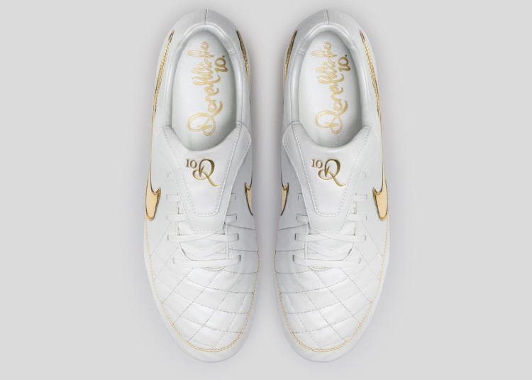 Nike_Football_Ronaldino_Tiempo_Gold_TOP_rectangle_1600