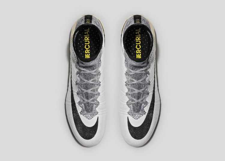Nike_SP16_Superfly_CR7_gold_TOP_view_05_V2_rectangle_1600