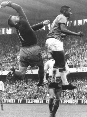 Pelé an Sweden's Kalle Svensson in the 1958 World Cup final Image: svt.se