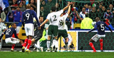 Thierry-Henry-Hand-Ball-France-Republic-of-Ir_2386563