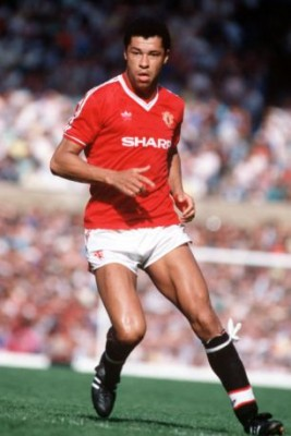 Sport, Football, League Division One, 31st August 1987, Manchester United 3 v Chelsea 1, Manchester United's Paul McGrath
