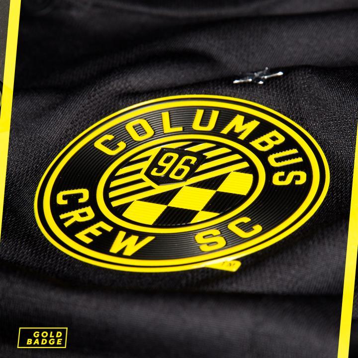 colombus-crew-black-kit (5)