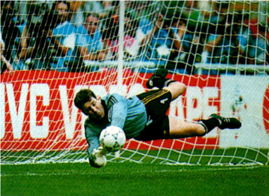 packie_bonner_save_penalty_shootout_19901