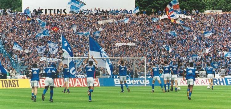 (via Schalke 04)