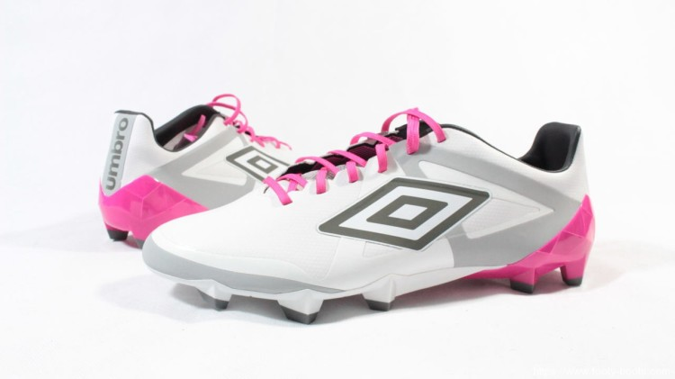 umbro-velocita-presentation-case-boots